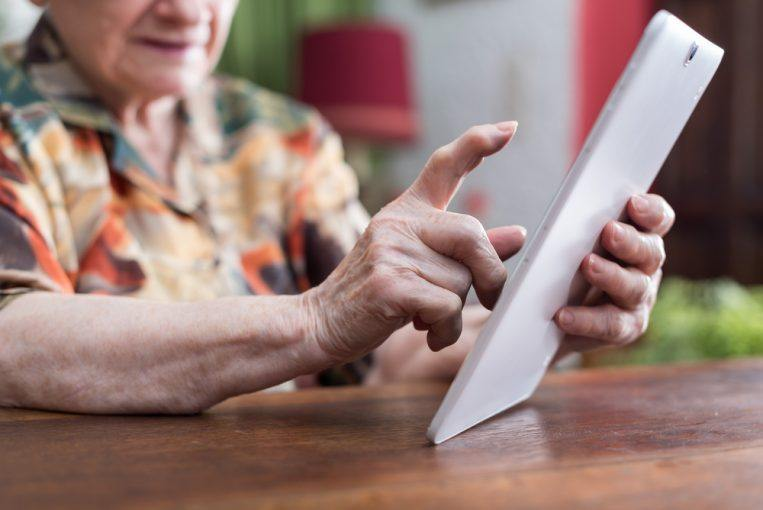 Using tablet computers to help dementia patients